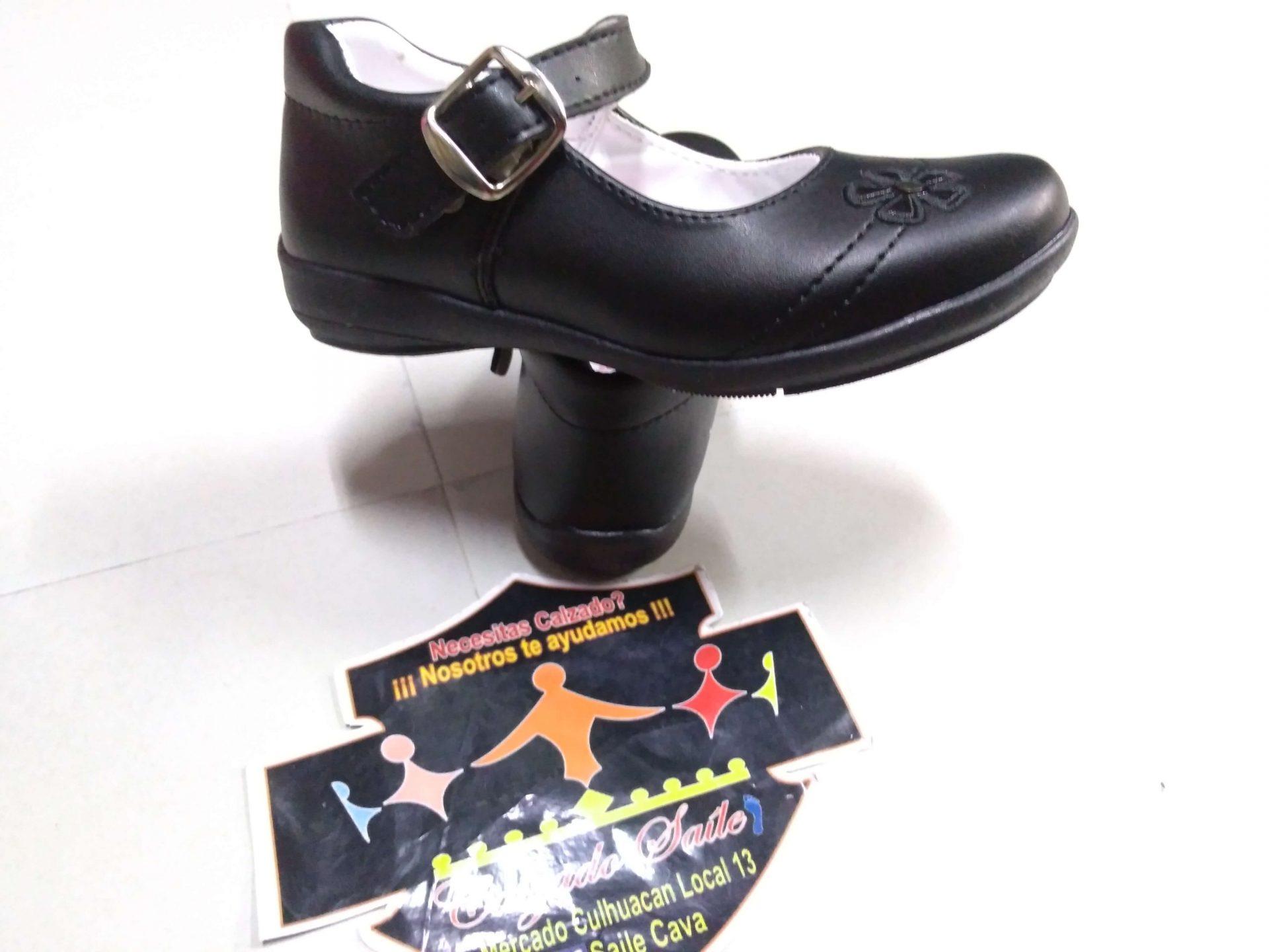 Zapato escolar Cleo hebilla suela hule desde el 18 al 21.5